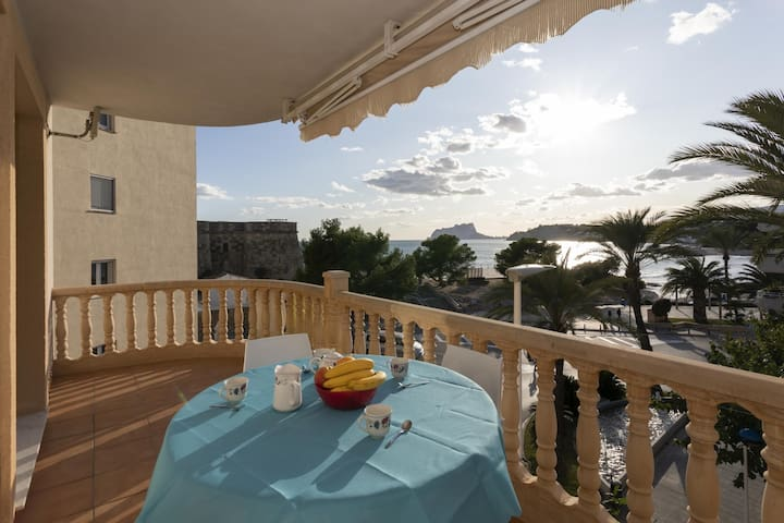 Spacious flat, see view, Moraira center.