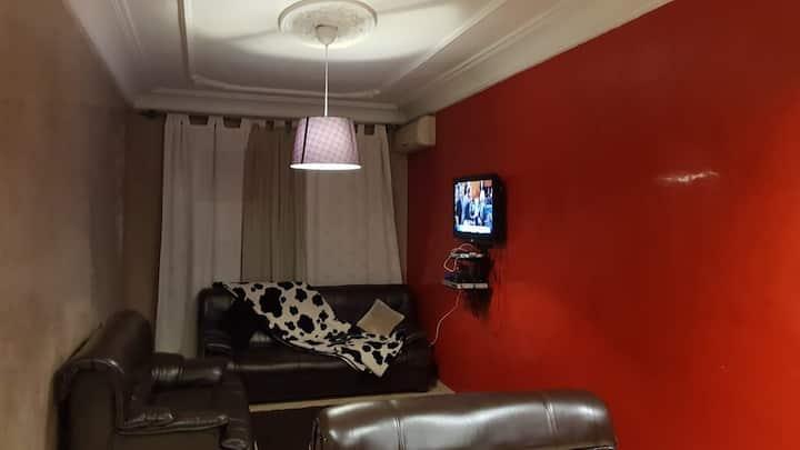 Un joli studio tres bien meuble au blv mouhamed5.