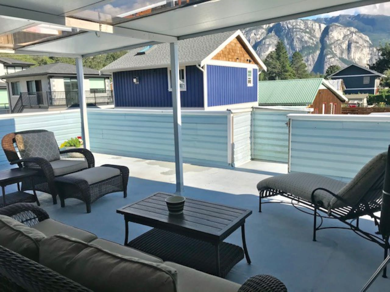 Large Covered Deck off Kitchen with BBQ. Amazing Views of Chief!