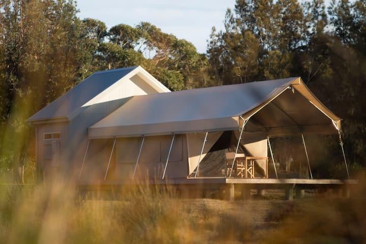 Tent 4 Beachfront glamping in African safari tents
