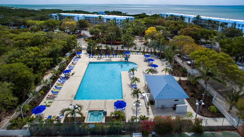 1BR- Ocean Pointe Suites with Private Beach