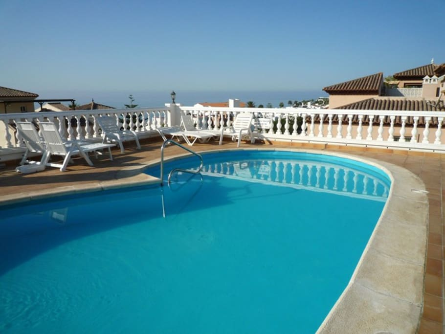 The Shared Roof top Terrace Pool