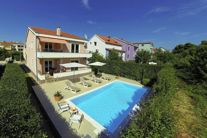 Modern villa - apartment with private pool, nice covered terrace, high privacy