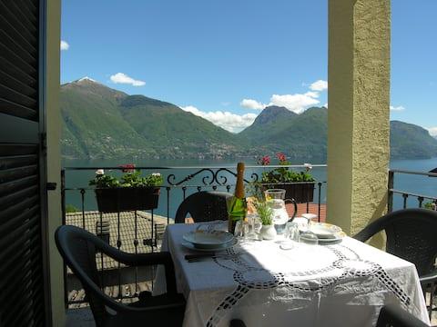 Home Gabriella, apartment with lake view