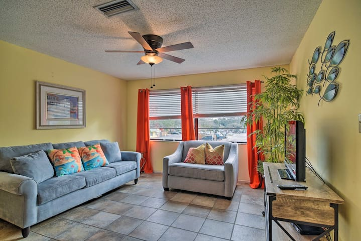 Renovated Oceanside Retreat in Indian Rocks Beach!