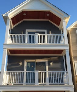New 1BR Summer Rental 1 Block to Ocean - Sea Bright