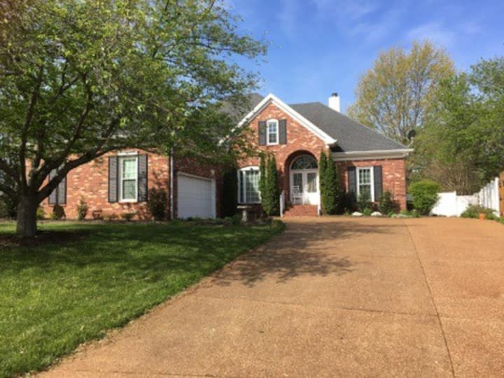 Luxury Furnished Home/POOL/Piano/Nashville/MTSU