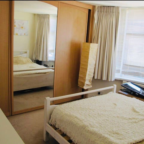 Clean and tidy double bedroom in shared house.