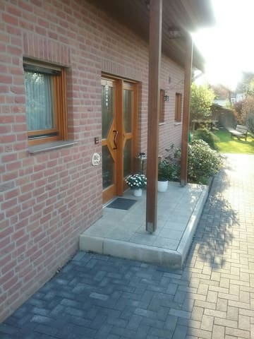 Quiet location, by the City - Keulen - Bed & Breakfast