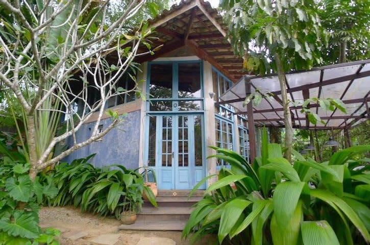 Kaaysa Art Residency 2602A - Quarto com AC