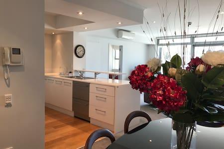 Luxury Waterfront Oxleys Apartment