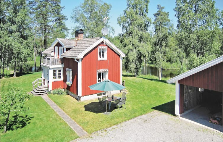 Holiday cottage with 2 bedrooms on 96m² in Grönahög