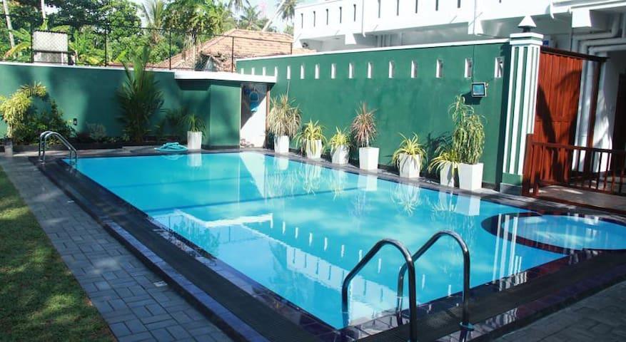 Ravindra Hotel and Restaurant - Ambalangoda - Byt