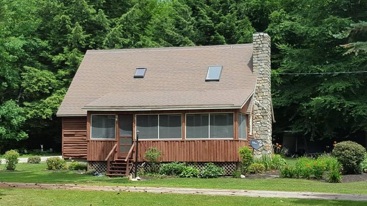 Harrison Maine Lake House (Naples/Bridgton Area)