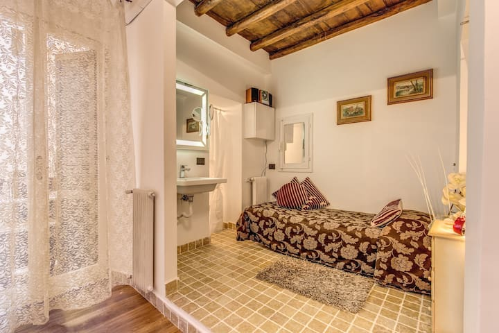 CAMERA SINGOLA CON BALCONE - Roma - Bed & Breakfast