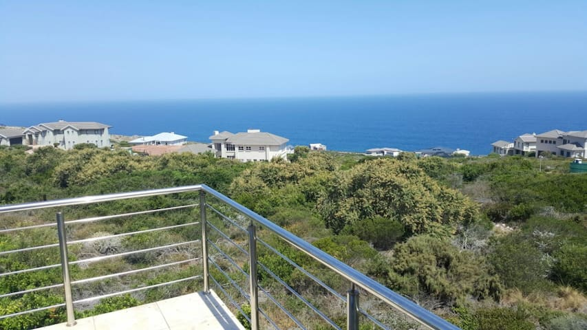 Sea view house on Pinnacle Point Golf Estate