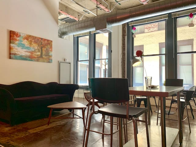 RED LOFT DTLA Spring Street - Stunning Location!
