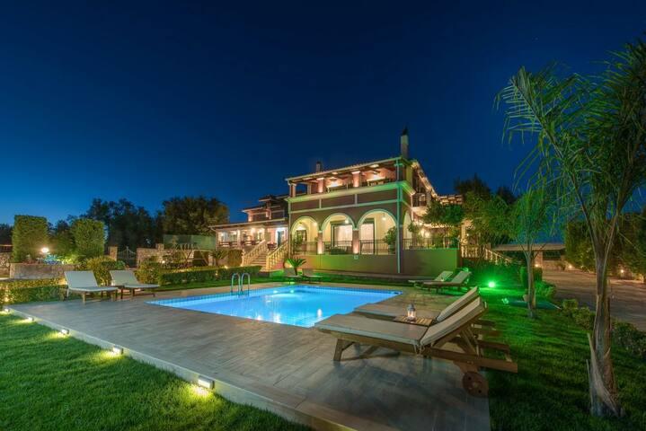 Amalthia Luxurious 6-Bedroom Private Pool Villa - Zákinthos - Villa