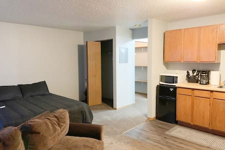 Studio Apt. Williston, ND - quiet location!