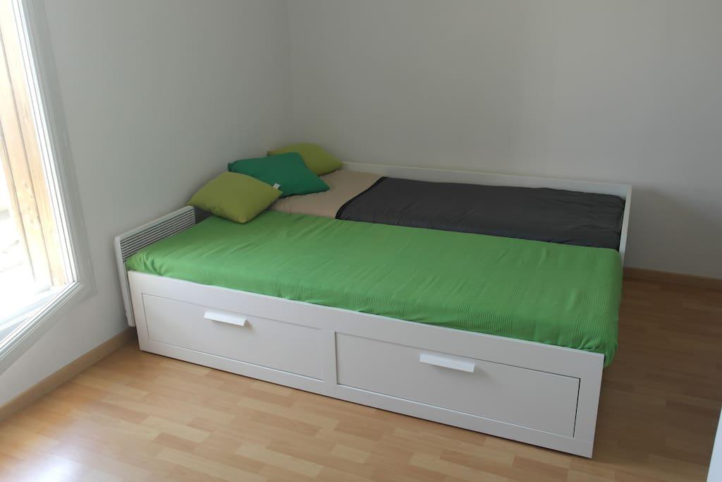 chambre privée avec lit ouvert
