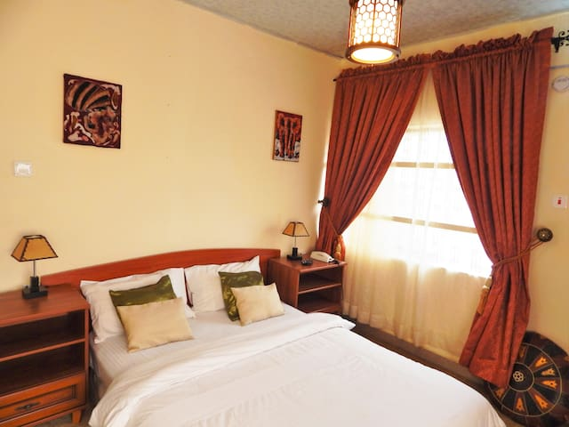 Private Room at RedWood Place - Abuja - Appartement
