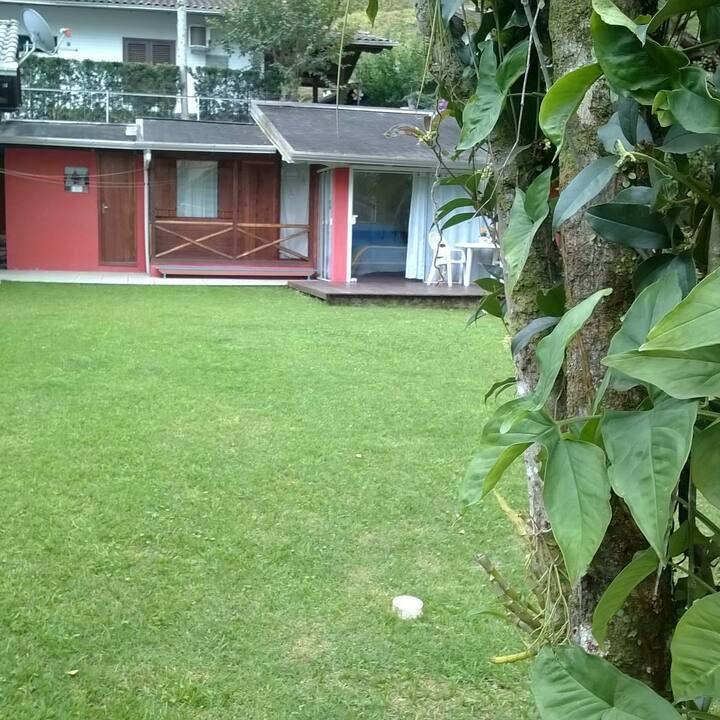 Chalé Rústico  no Centro