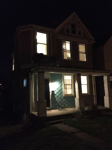 Cute Cottage Apt. w/ Private Entry - Pittsburgh - Appartement