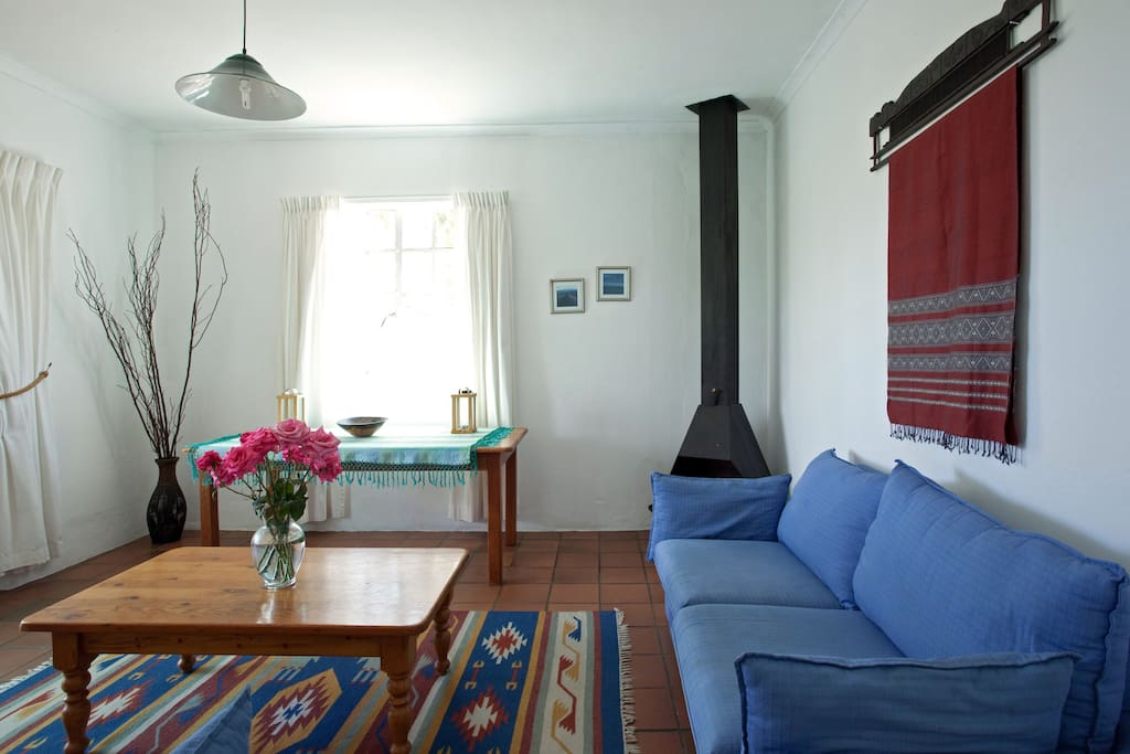 Lounge with 2-seater couch and two chairs