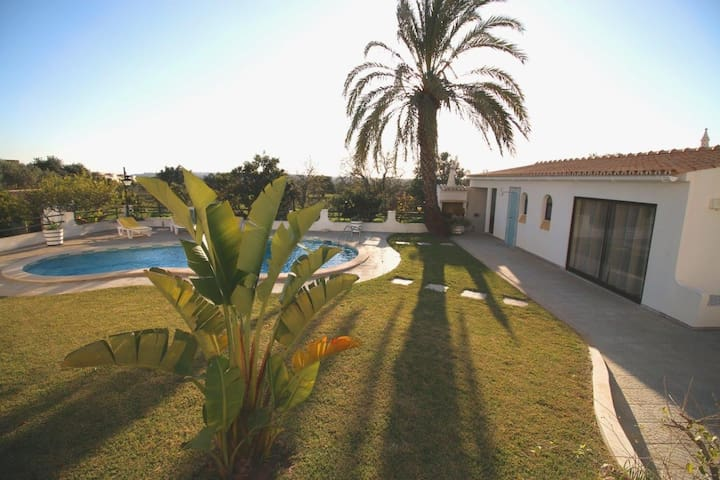 Villa in Algarve - Private Pool - 2 Beds - Albufeira