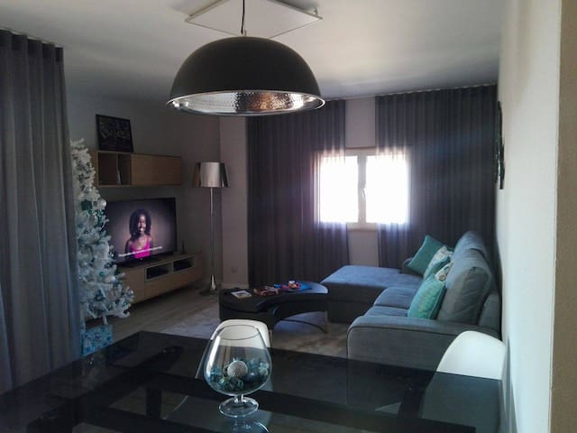 Room in the city center of Marinha Grande - Marinha Grande - Apartemen