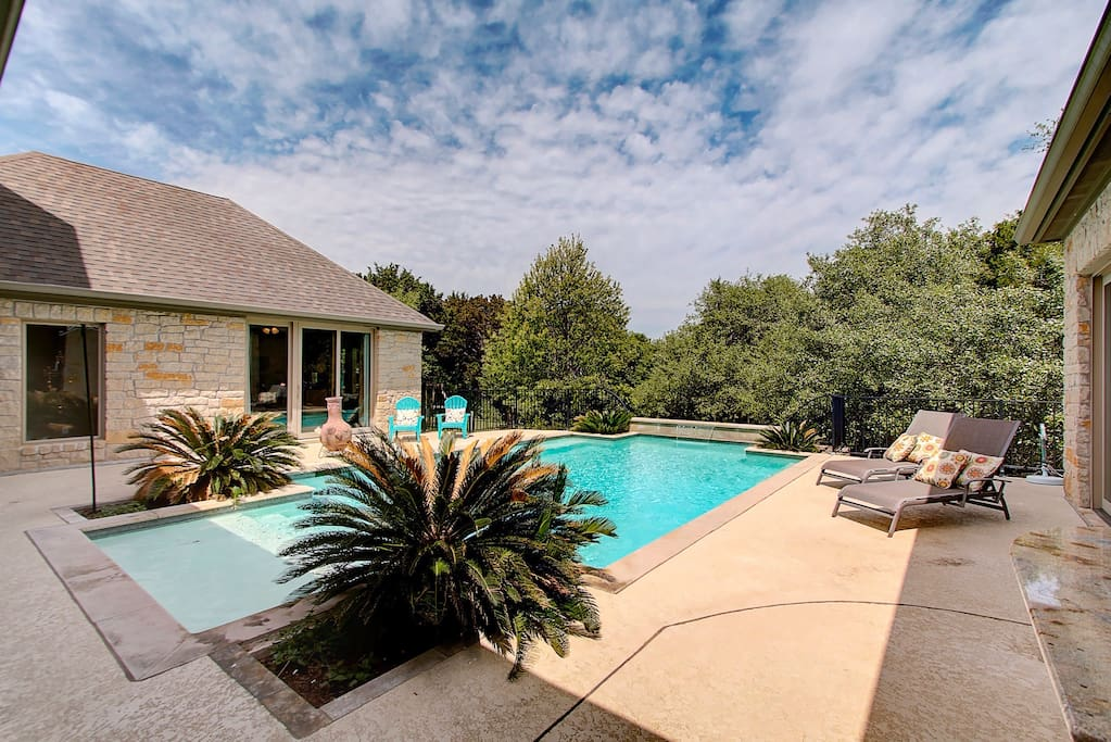 Casita with a pool view! Enjoy relax in the pool or listen to the quiet purring of the waterfall while reading a book on the patio.