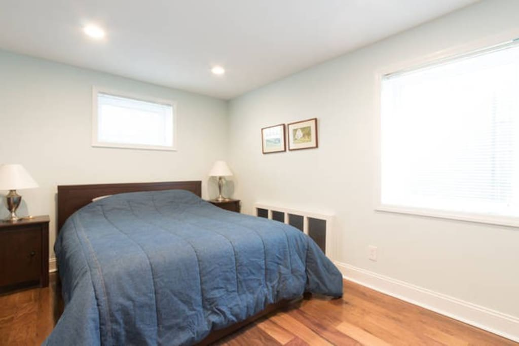 2 Bedroom Suite W Free Parking Apartments For Rent In Washington District Of Columbia United