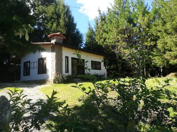 Casa Campestre Entrepinos Guarne cerca Medellin