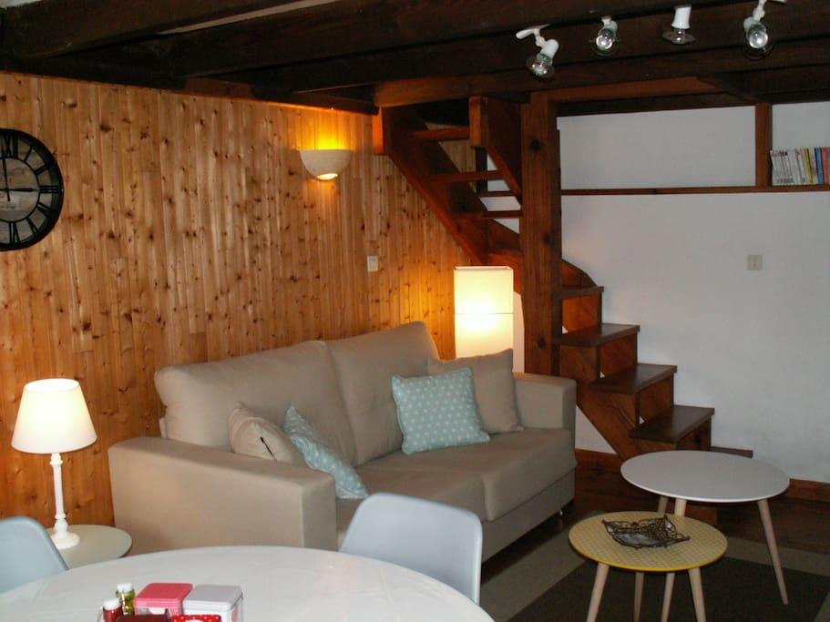 Salon avec canapé-lit 140 x 190