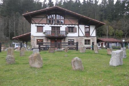 Precioso caserio rústico en GORBEA - Bizkaia - Talo