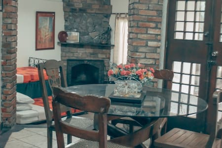 Charming and Cozy PNKY Cottage in Baguio - Baguio