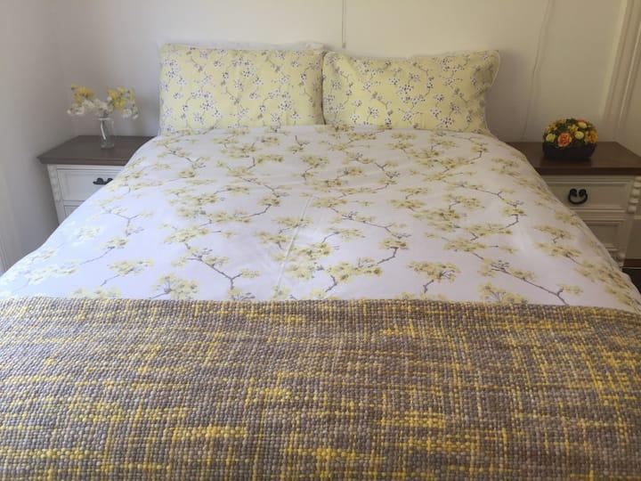 Traditional Irish Home, Comfortable Double Room