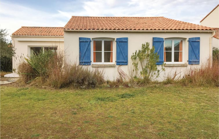 Holiday cottage with 3 bedrooms on 90 m² FVE243
