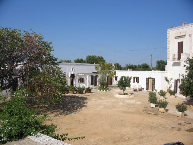 Charming house in masseria pugliese  orange groove - Monopoli