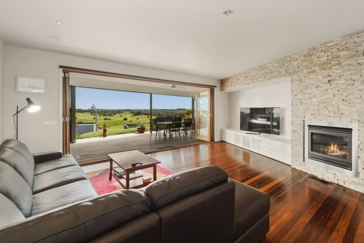 Moonah Links Luxury Retreat