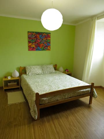 Low Cost Room - with private WC - Ponta Delgada - Huis