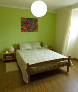 Low Cost Room - with private WC - Ponta Delgada - Haus