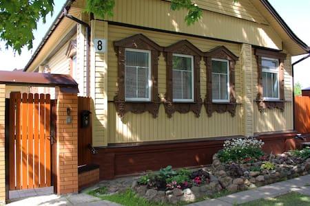 """Гостевой дом """" У Башни """", апартаменты Делюкс."""