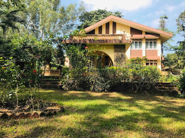 3BHK LUXURIOUS HERITAGE VILLA WITH PRIVATE POOL