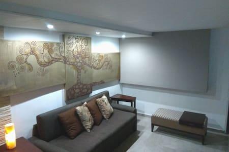 Moderna Casa en el Centro de Cancún ycerca del mar