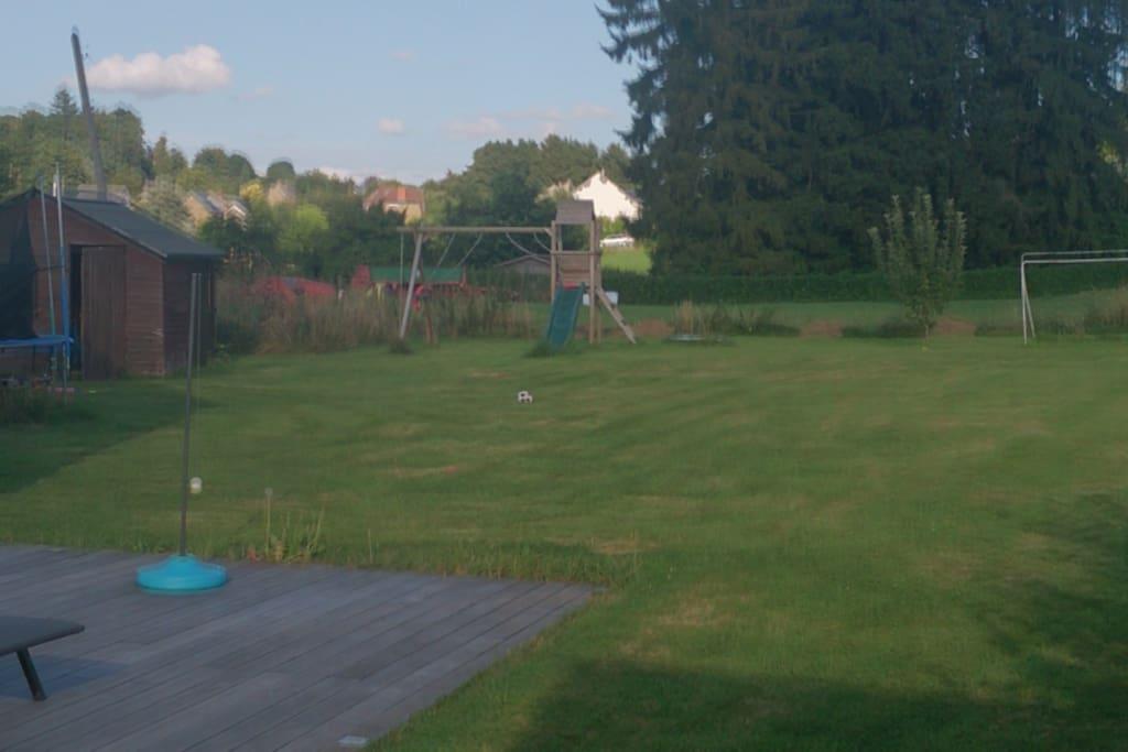 vue arrière du jardin