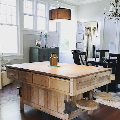 Luxurious - Historic & Business Travel Ready Home! - Lake Charles - 獨棟