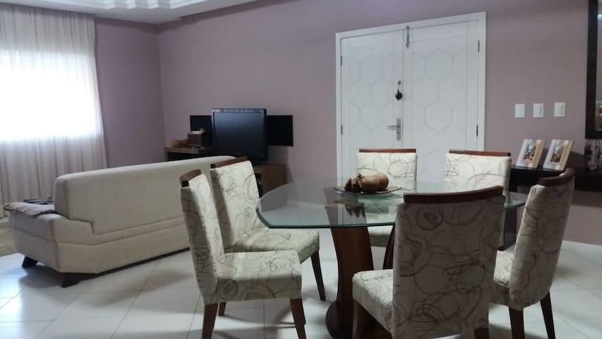 Casa em Condomínio prox a Recreio dos Bandeirantes