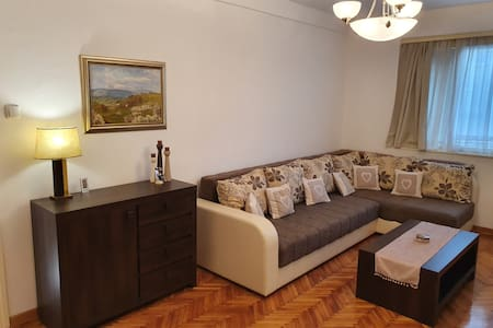 Vršac City Center Apartment Overlooking City Hall