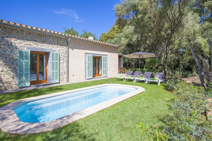 NA MIQUELETA - Villa with private pool in CAPDEPERA.